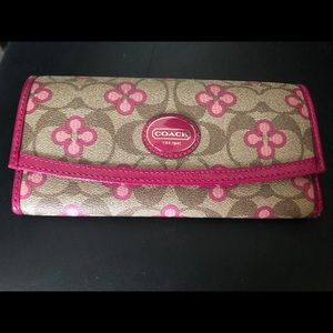 COACH Women's Wallet. Brand New-never out of box.